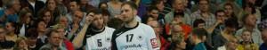 Steffen Weinhold (r) hält noch immer Kontakt zu seinem Ex-Verein HC Erlangen. Bei der SG Flensburg-Handewitt ist er ein absoluter Leistungsträger.