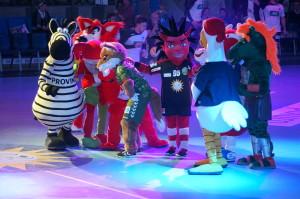 """HBL Maskotchen - Tanzten, Sangen und lieferten sich ein """"Dance Battle"""" vom feinsten."""